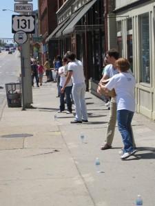 parade2 Day 27: UICA Human Chain Moving Parade