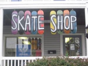 frontsign1 Day 133: Lifer Skate Shop