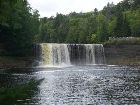 Tips for Visiting Tahquamenon Falls | My First Time at Tahquamenon Falls