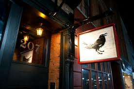 The Awesome Mitten (The Ravens Club)