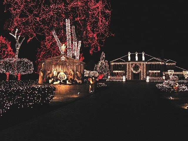 Must See Christmas Attractions In Detroit - The Awesome Mitten