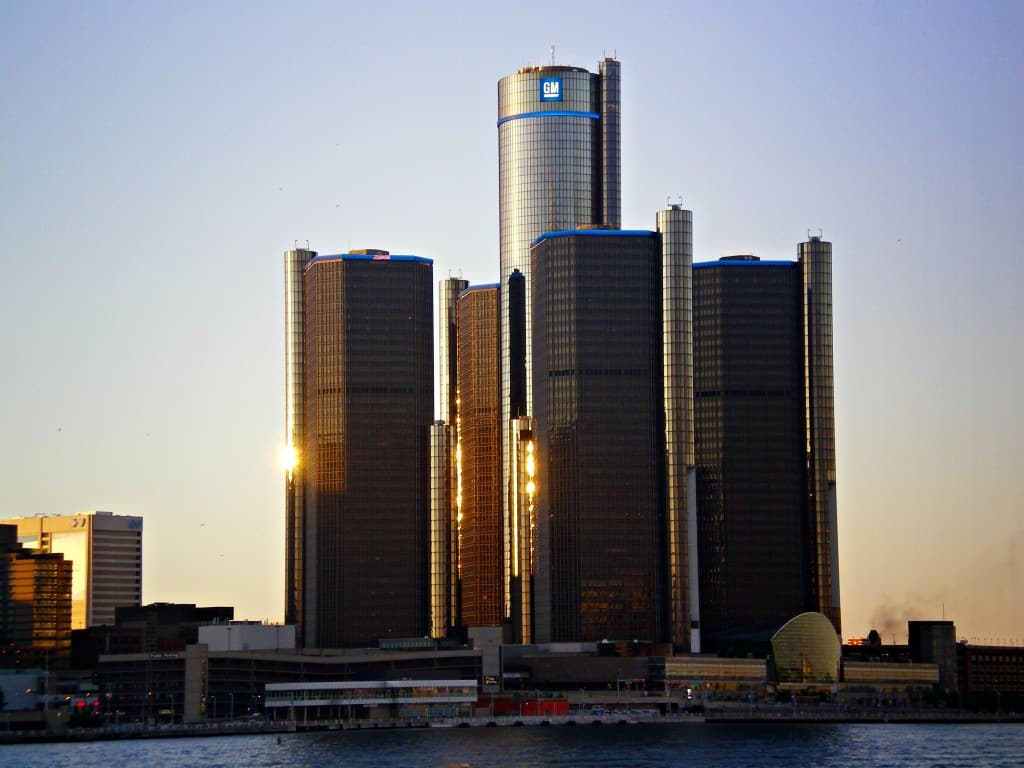 Experiencing Detroit from the River - Awesome Mitten
