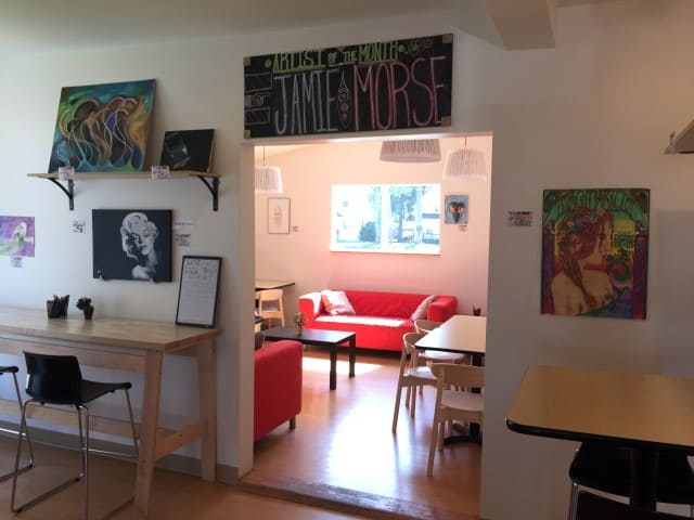 The Dreamer Coffee Shop - Mt Pleasant - The Awesome Mitten