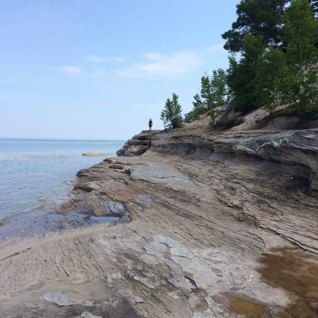 hiking pictured rocks national lakeshore