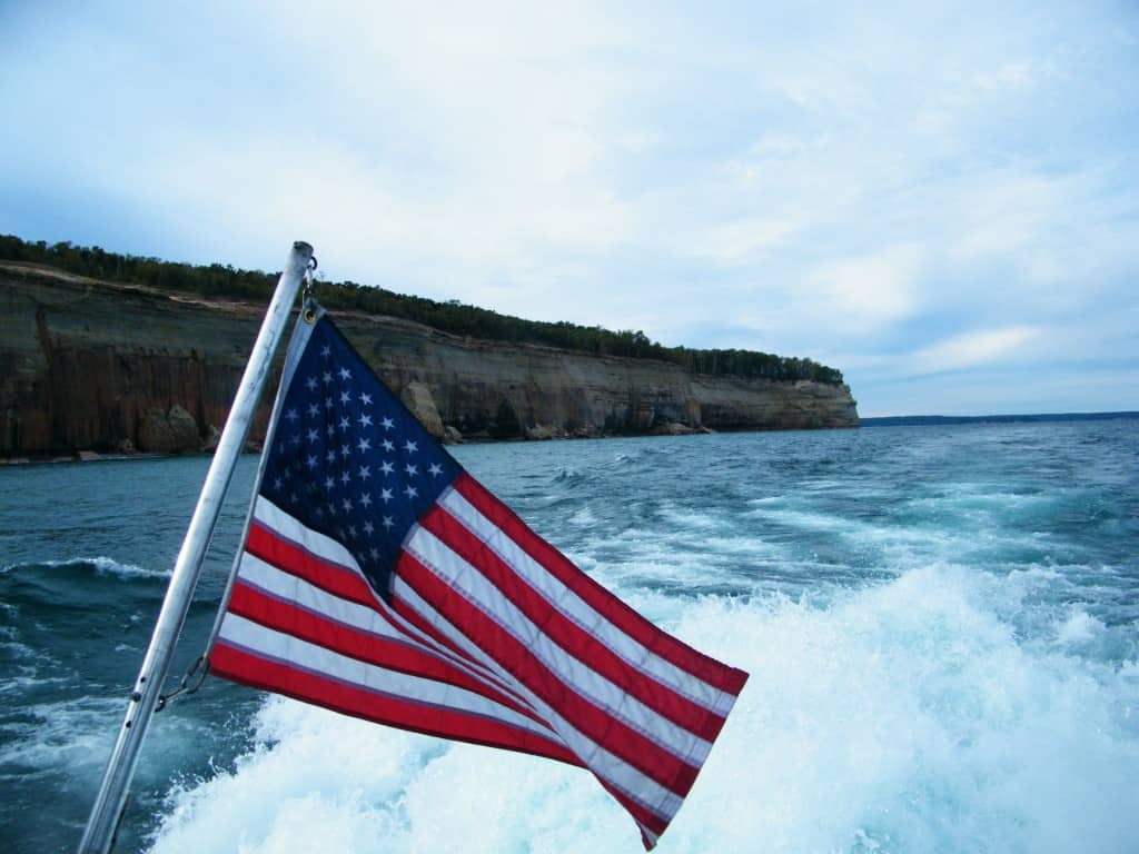 Picture Rocks - Munising - #Mittentrip - The Awesome Mitten