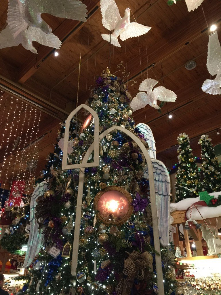 Bronner's Decorated Christmas Tree