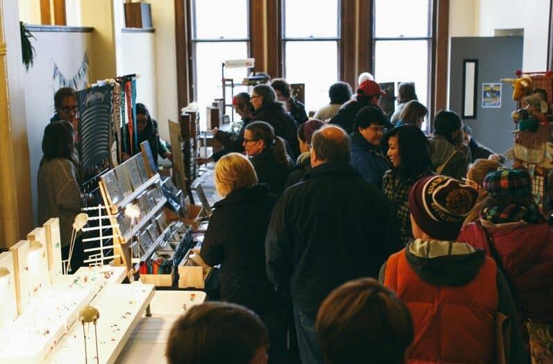 DIYpsi crowd DIYpsi: Support local artists December 12-13