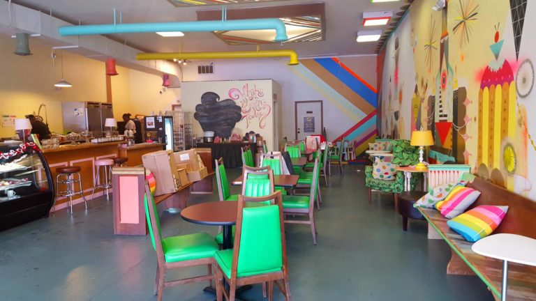 Good Cakes and Bakes, Detroit - The Awesome Mitten