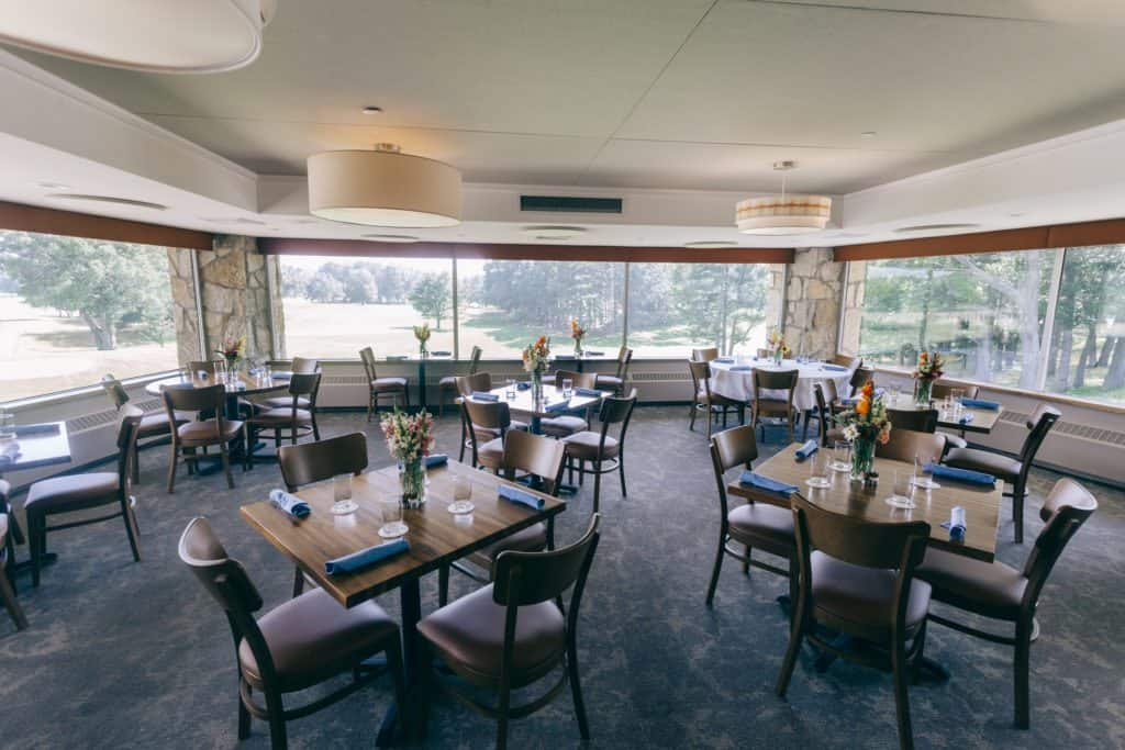 Se4sons Gastropub dining room   Photo by Gideon Hunter