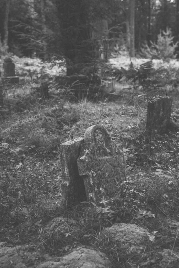 Mouth Cemetery | Photo by Gideon Hunter