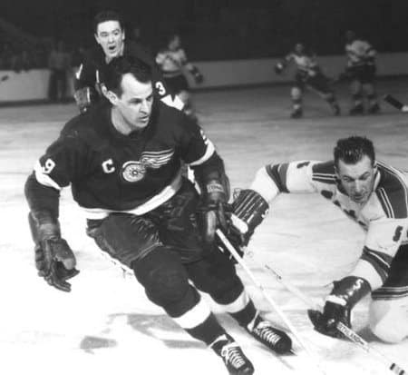 Mr. Hockey, Gordie Howe. Photo via the Detroit News Archives.