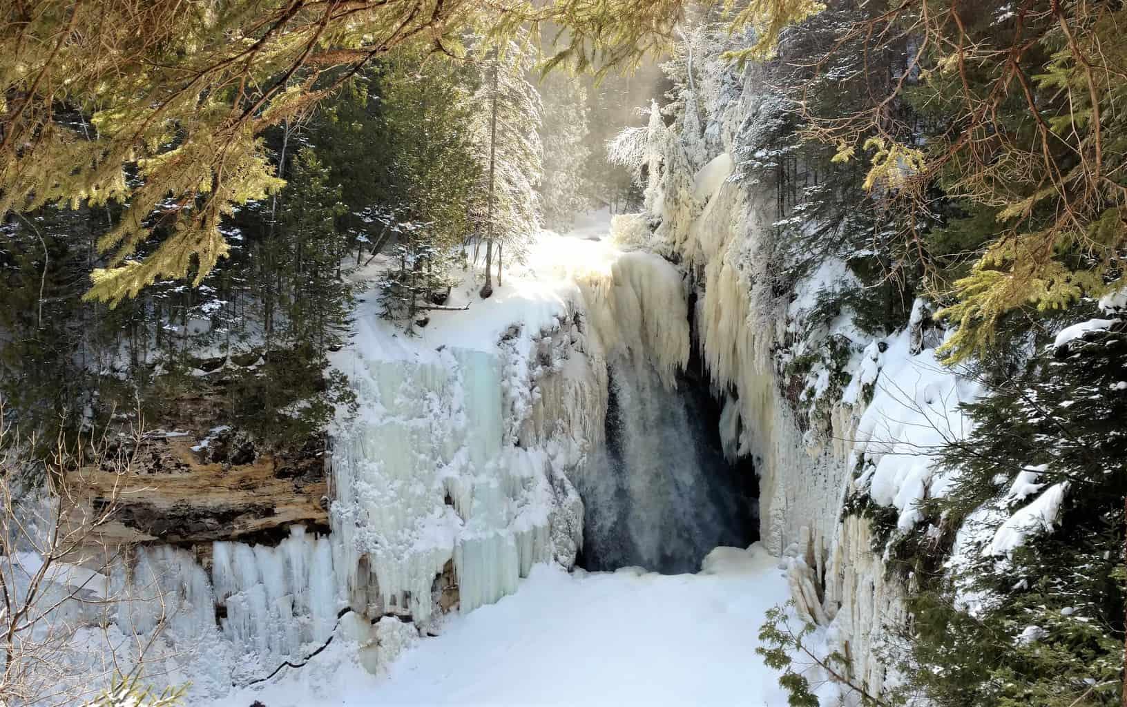 frozen waterfalls in Michigan