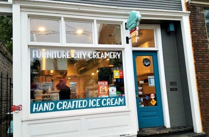 Awesome Mitten Vegan Ice Cream Furniture City Creamery min 10 Places in Michigan To Get Your Vegan Ice Cream Fix
