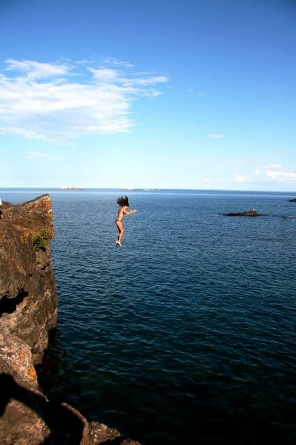 black rocks marquette cliff jumping