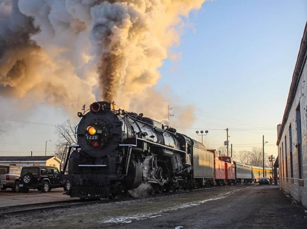 Pere Marquette 1125 - train fall color tour in Michigan