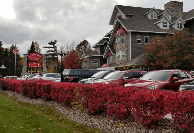 Best Boutique Hotels in Traverse City: Cherry Tree Inn & Suites