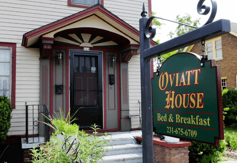 Best Boutique Hotels in Traverse City: Oviatt House Bed & Breakfast