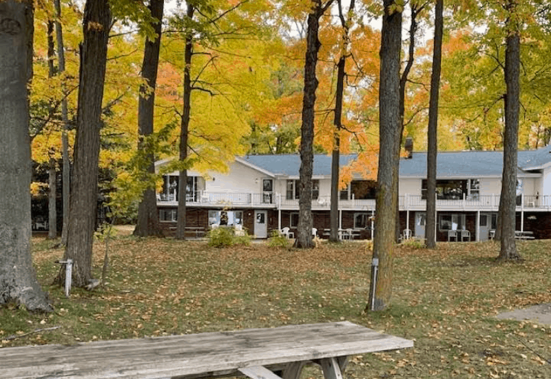 Best Boutique Hotels in Traverse City: White Birch Lodge