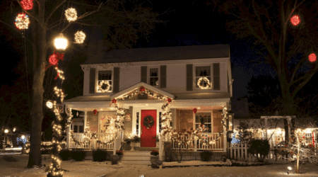 Guide to the BEST Christmas Light Displays in Michigan [UPDATED 2021]