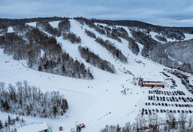 One of the Top Michigan Ski Resorts: Big Snow Resort - Blackjack Mountain
