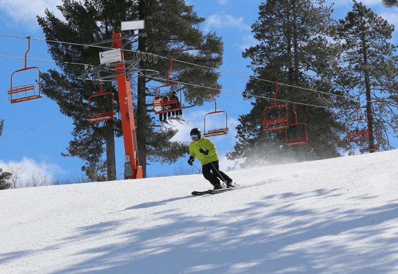 One of the Top Michigan Ski Resorts: Pine Mountain Ski & Golf Resort