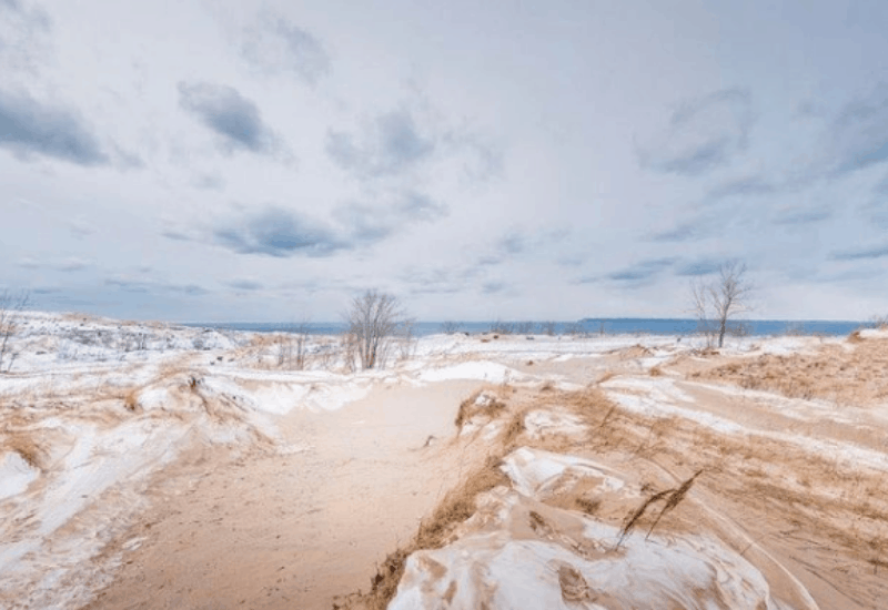 sleeping bear dunes national lakeshore in winter