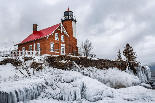 winter lighthouse in Michigan:Eagle Harbor Lighthouse
