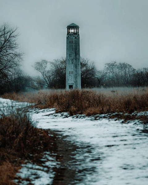 winter lighthouse in Michigan:Belle Isle