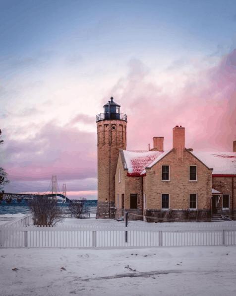 winter lighthouse in Michigan:Mackinaw City