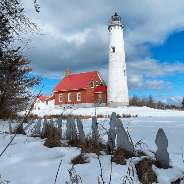 winter lighthouse in Michigan:Tawas