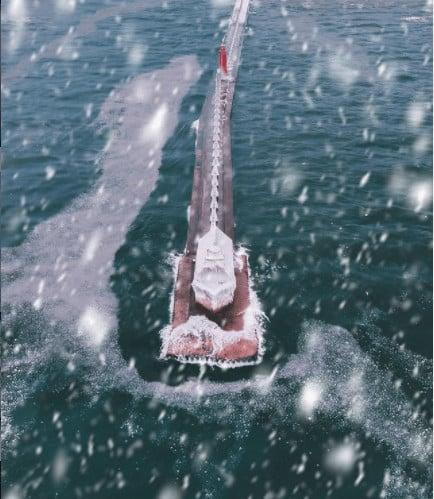 frozen winter lakes in Michigan: Grand Haven