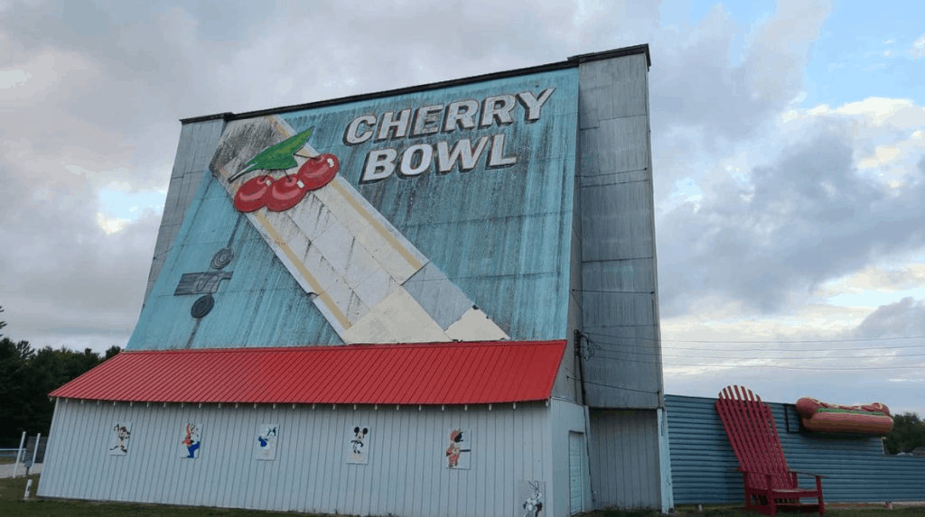 Cherry Bowl Drive-In Movie Theater in Honor, MI