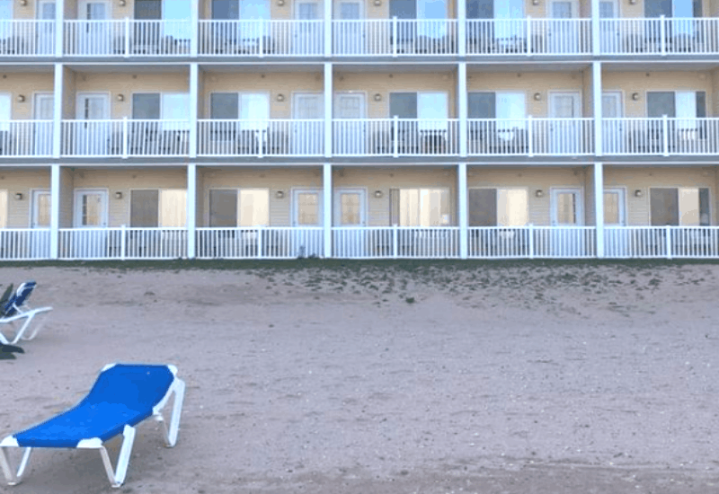 The Mackinaw Beach and Bay Resort