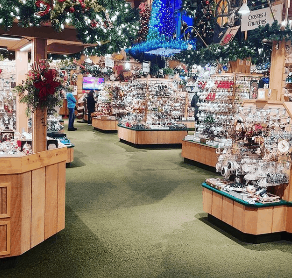 bronners christmas wonderland frankenmuth Tantalize Your Tastebuds While Cruising the Cass River