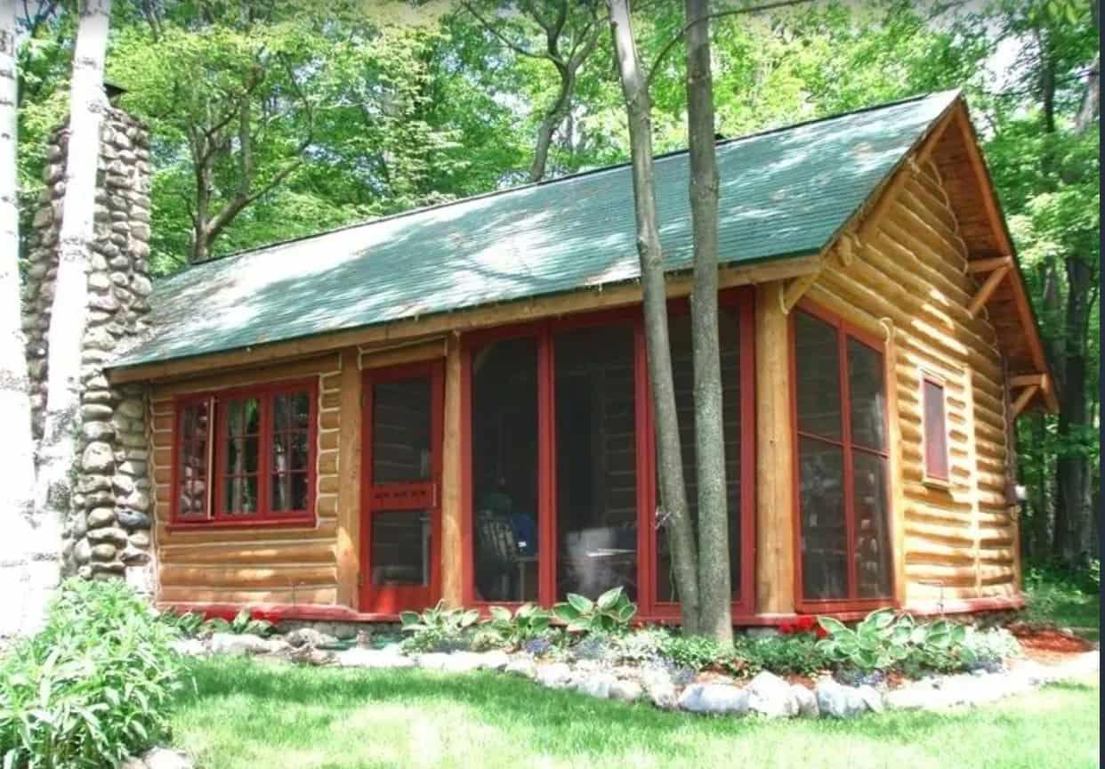 Lake Michigan Log Cabin