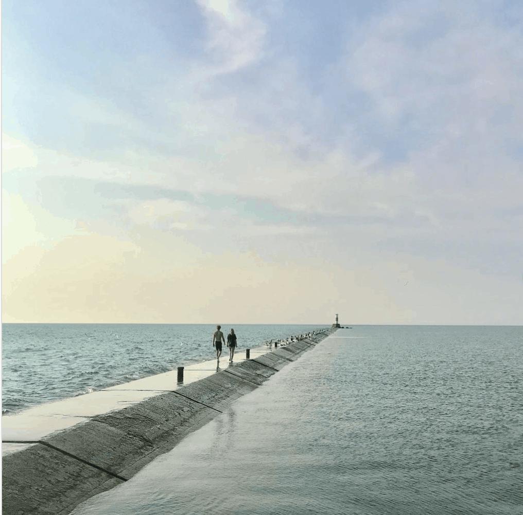 5thAvenueBeach Plan a Beach Day & Walk the Pier at 5th Avenue Beach