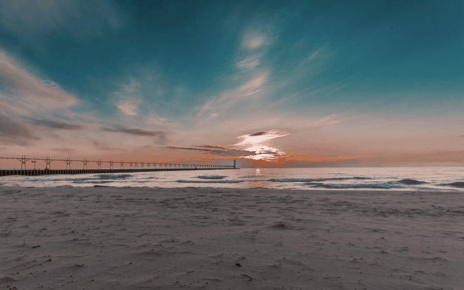 5thAvenueBeach nmi dryfly Plan a Beach Day & Walk the Pier at 5th Avenue Beach