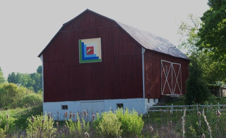 image of quilt on side of barn - Alcona Quilt Trail