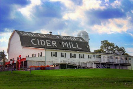 Catch Live Music & Handcrafted Cider at Uncle John's Cider Mill