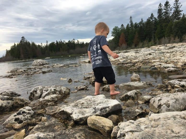 Exploring the Shores of Les Cheneaux Islands Just 4 Days to Explore the Upper Peninsula this Summer? Here's What We Did. #MittenTrip