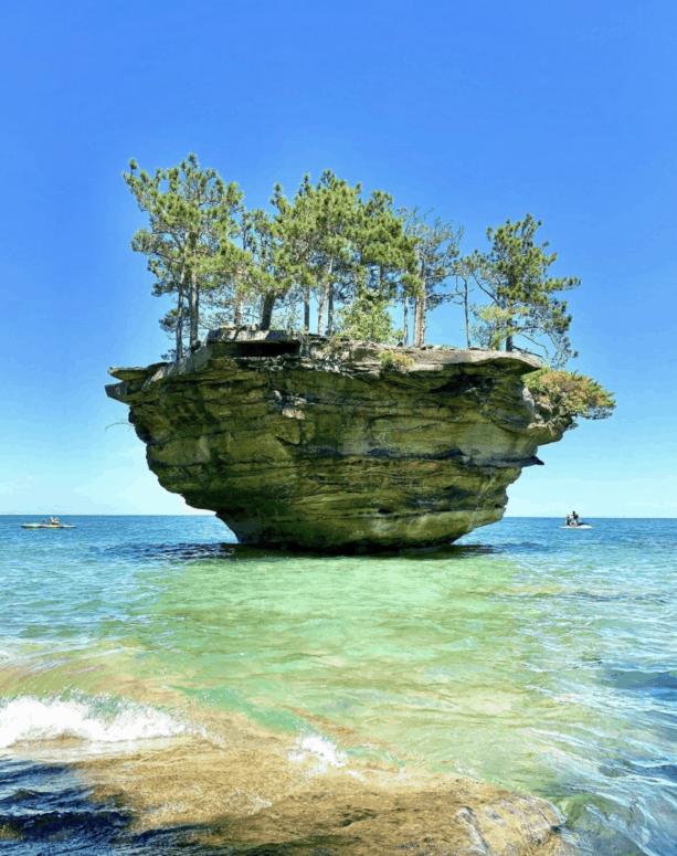 Kayak Lake Huron 17 Ways to Enjoy Fall in East Michigan This Year [updated 2021]