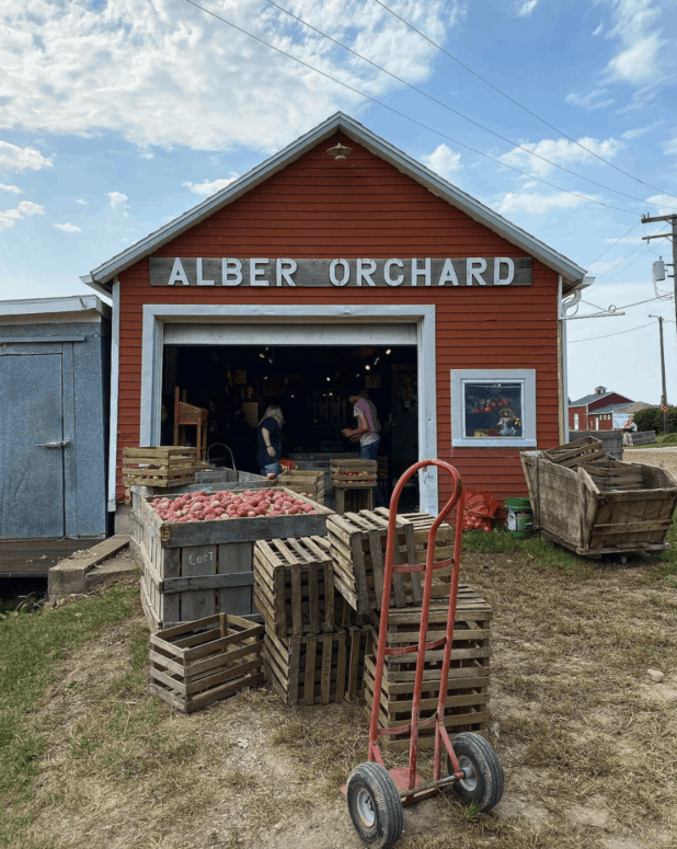 Alber Orchard Cider Mill 2 Munch & Crunch: Top 12 Apple Orchards & Cider Mills in Southcentral Michigan | Jackson, Hillsdale, Washtenaw, and Lenawee Counties