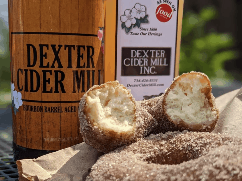 Dexter Cider Mill Munch & Crunch: Top 12 Apple Orchards & Cider Mills in Southcentral Michigan | Jackson, Hillsdale, Washtenaw, and Lenawee Counties