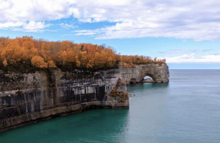 25 Stunning Fall Scenic Overlooks in Michigan