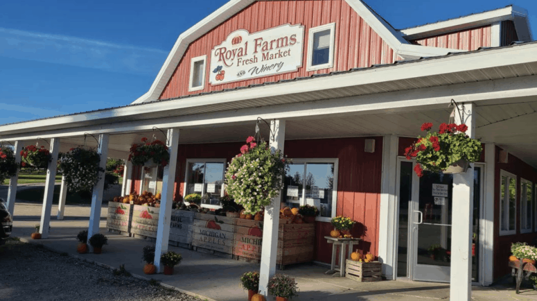 Royal Farms 1 Top 10 Northern Michigan Apple Orchards & Cider Mills in 2021